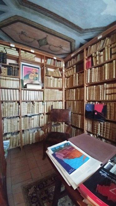 Una collezione di libri pazzesca